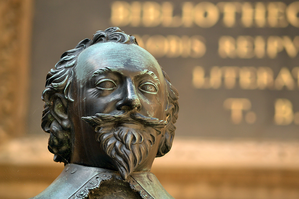 Photograph Oxford Statue by Matthew Hearne on 500px