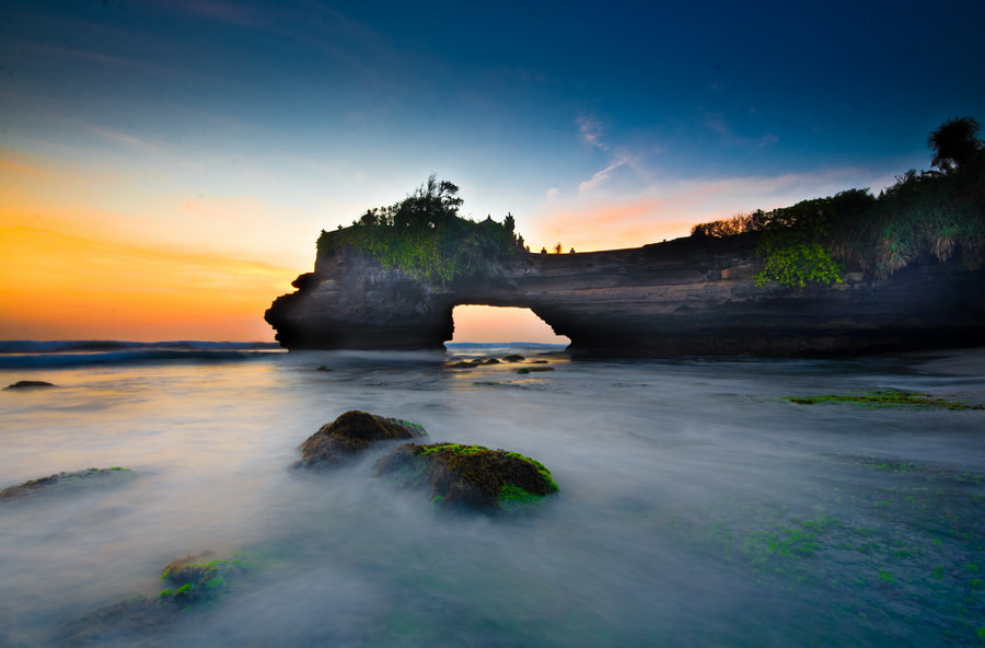 Photograph Batu Bolong Temple by Wisnu Taranninggrat on 500px