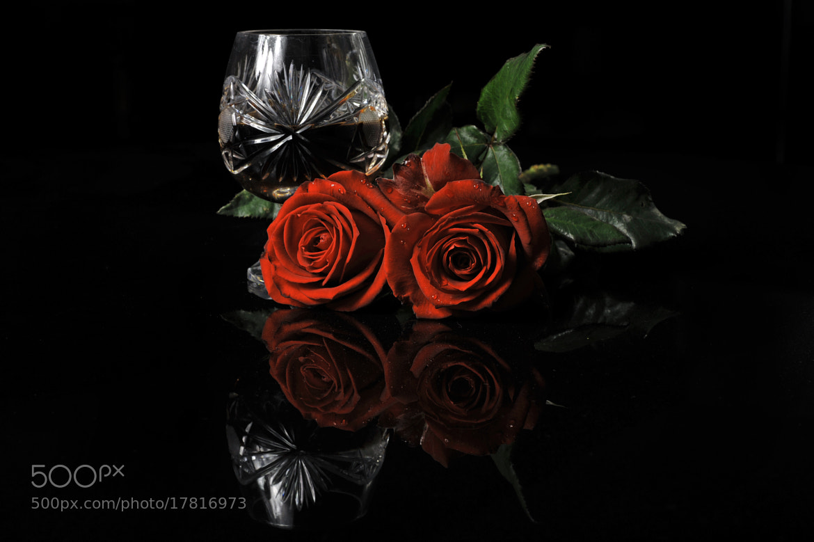 Photograph Couple of roses and glass by Cristobal Garciaferro Rubio on 500px