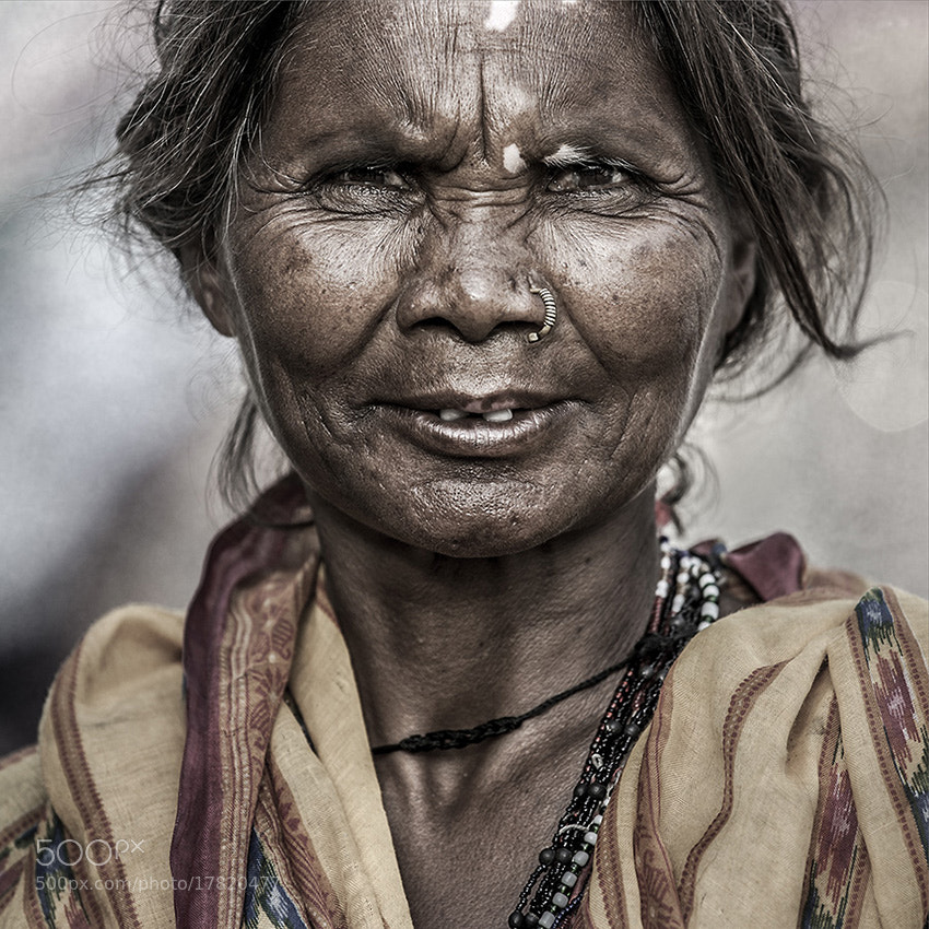Photograph INDIAN Woman by Raeid Allehyani on 500px