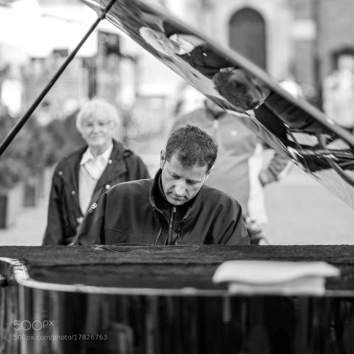 Photograph A pianist at work by Jakub Ostrowski on 500px
