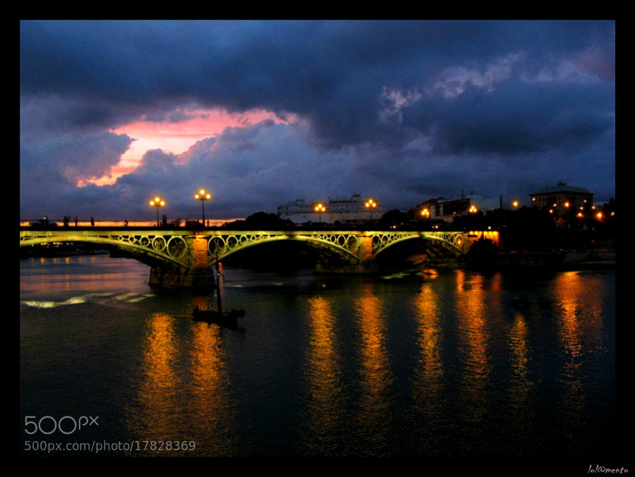 Photograph Guadalquivir by night by Lola Mento Mucho on 500px