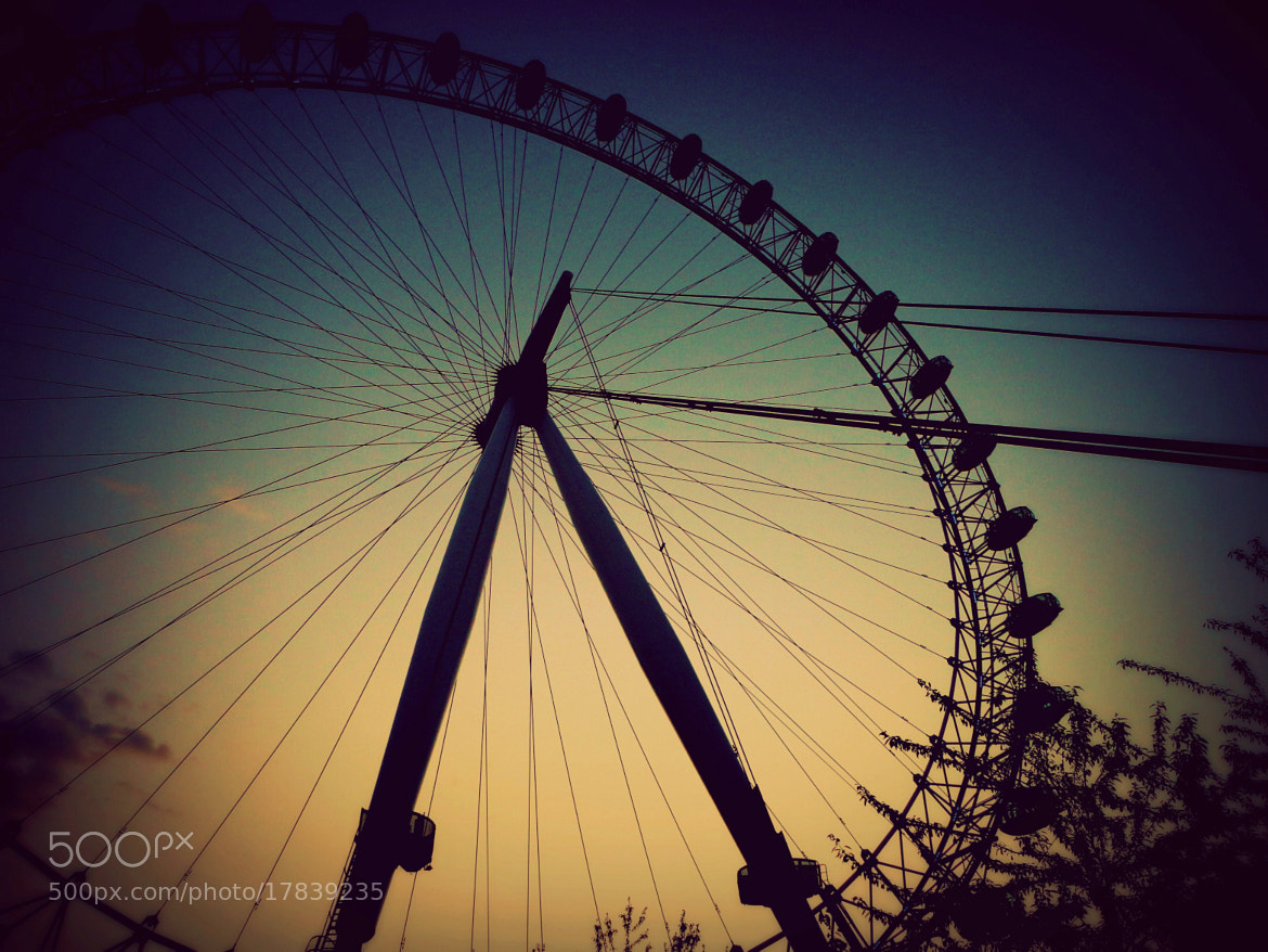 Photograph London eye, Olympic city and a sunset. by Sergio Nuñez on 500px