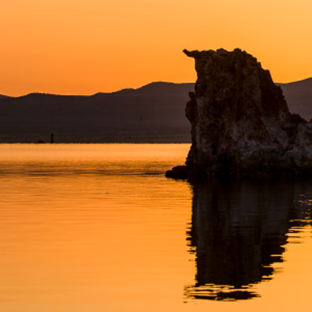 Mono Lake Sunrise, Canon EOS-1D, Canon EF 28-135mm f/3.5-5.6 IS