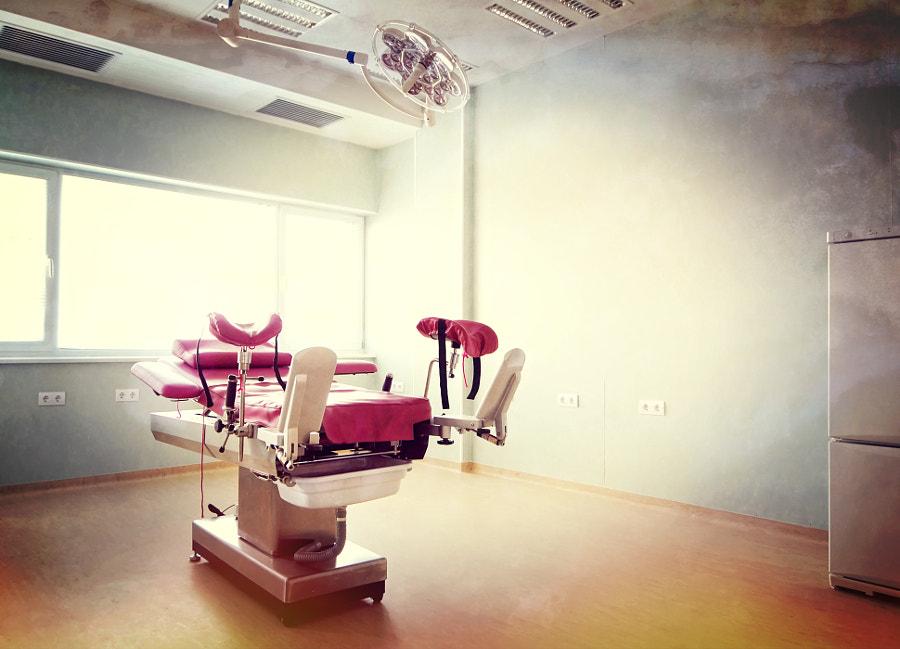 Medical-diagnostic equipment room by Diyan Nenov on 500px.com