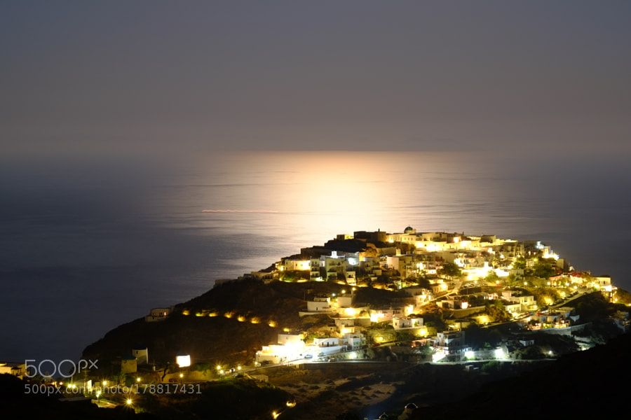 Kastro by night