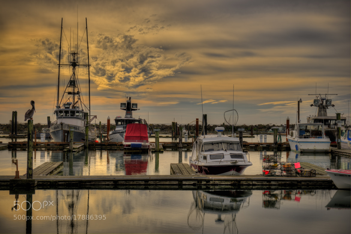 Photograph Chinook boat basin by Howard Kilgour on 500px