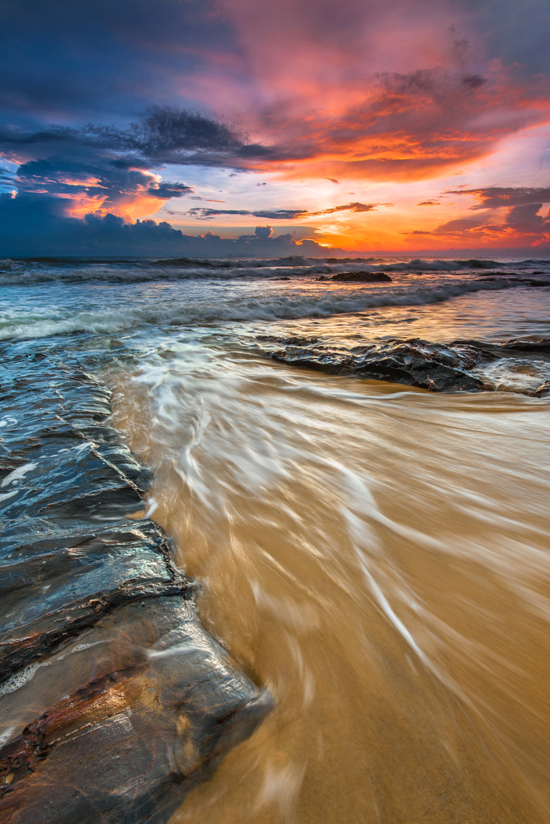 Photograph disperse by Mk Azmi on 500px