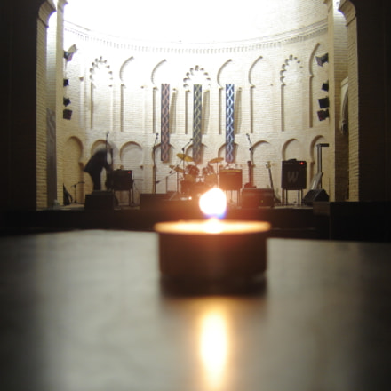 Candle in a Church, Sony DSC-P93A