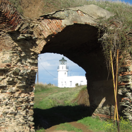 Lighthouse and ruins, Canon IXUS 300 HS