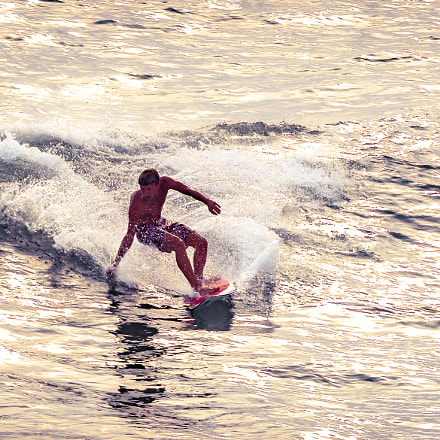 Surfing in the Cinque, Canon EOS 70D, Tamron SP AF 180mm f/3.5 Di Macro