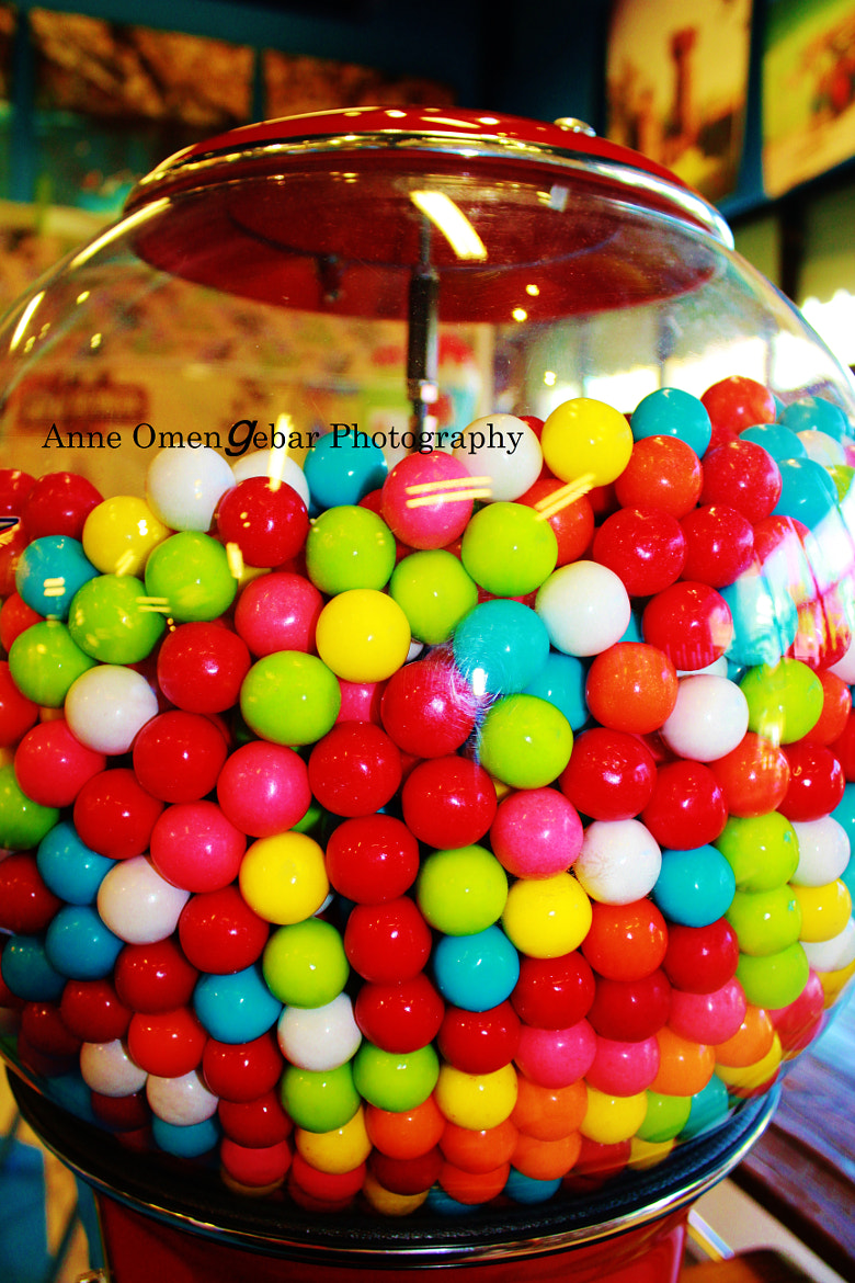 Photograph bubble gum by anne omengebar on 500px