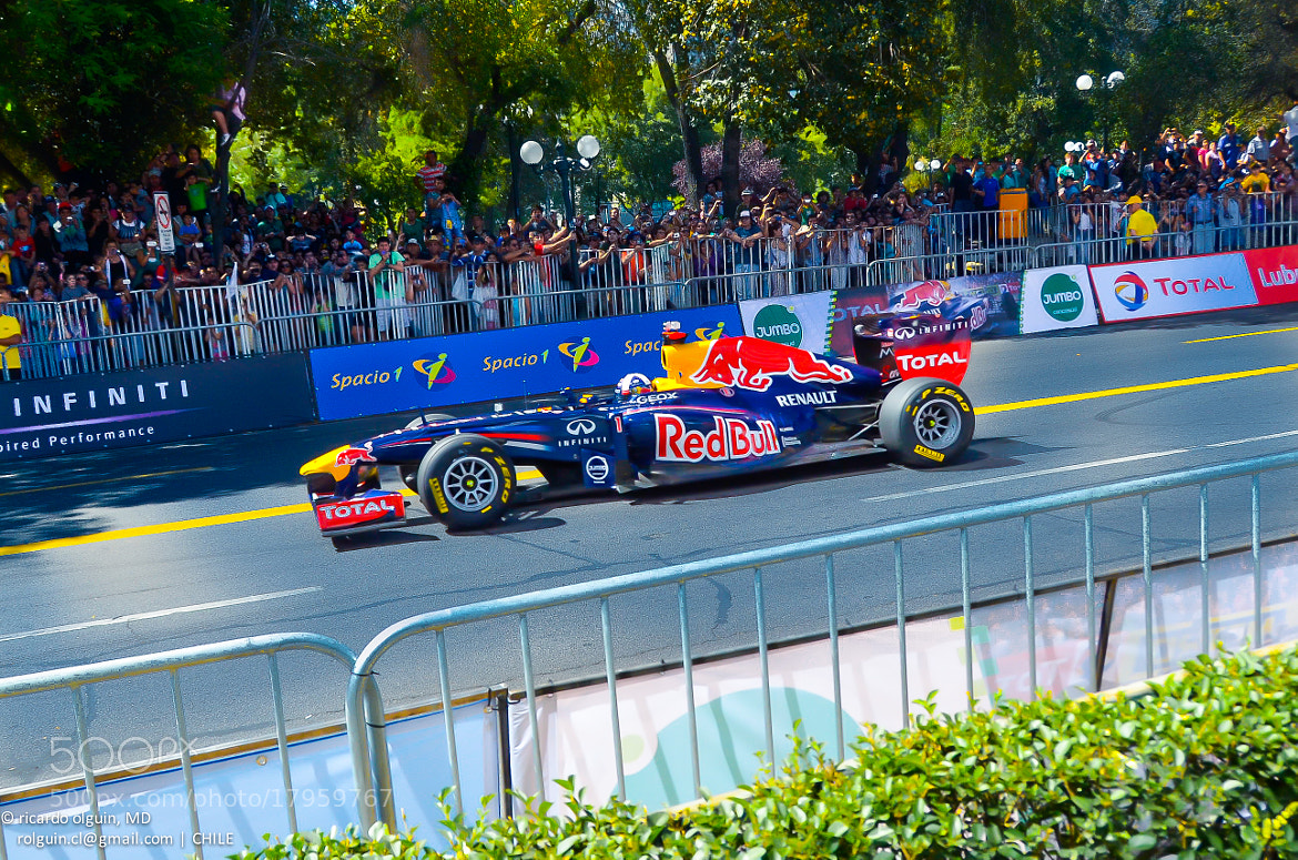 Photograph Renault-Redbull Show Run (Santiago, CHILE) by RICARDO OLGUIN, MD on 500px