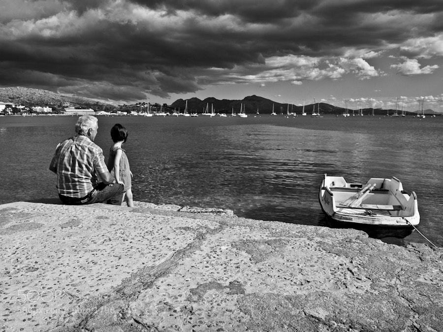 Photograph Watching the Sea by Albert Castelló on 500px