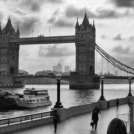 Tower Bridge, London UK., Nikon E5900