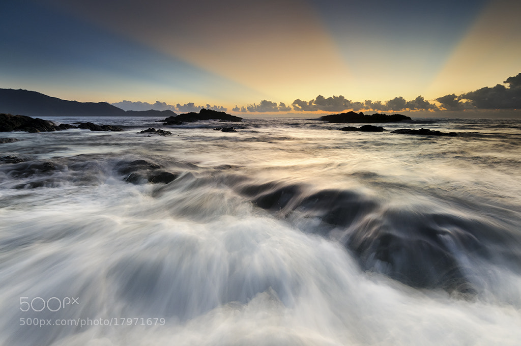 Photograph BREAK OF DAWN by Oliver Faustino on 500px