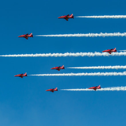Red Arrows, Sony DSLR-A200, Tamron AF 70-300mm F4-5.6 Di LD Macro 1:2