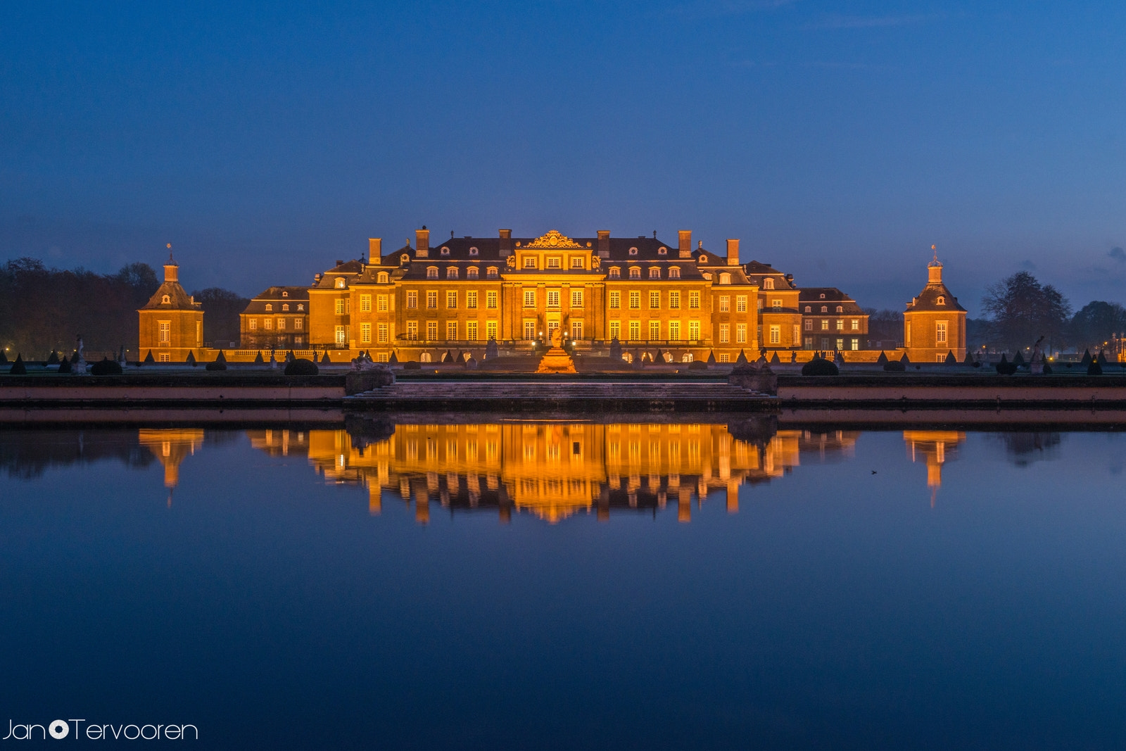 Photograph :: Schloss Nordkirchen :: by Jan Tervooren on 500px