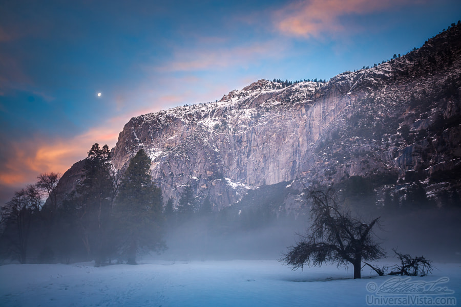 Foggy Yosemite morning with moon and clouds by William Lee on 500px.com