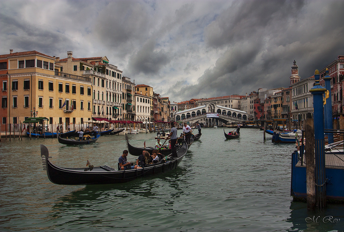 Photograph A WALK IN RIALTO by Mónica Rey on 500px