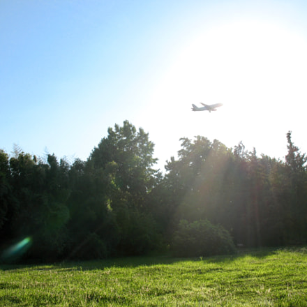 Airplane and sun, Canon POWERSHOT A630
