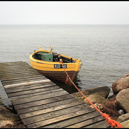 Yellow boat, Canon EOS 450D, Sigma 18-125mm f/3.5-5.6 DC IF ASP