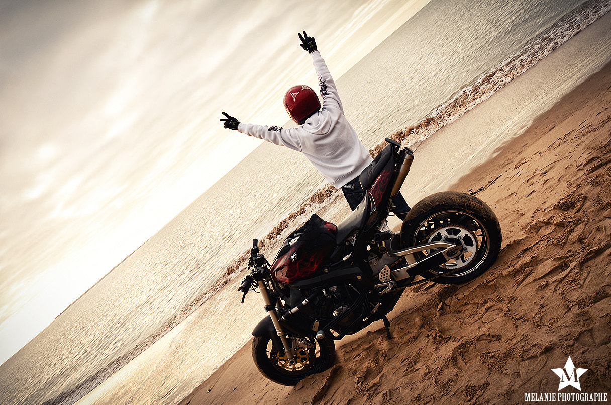 Photograph Stunter at the beach by Mélanie Photographe on 500px
