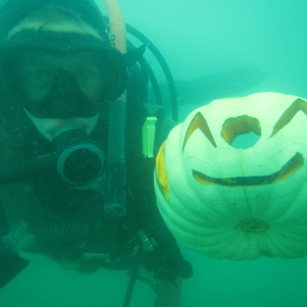 Pumpkin Carving Underwater, Canon POWERSHOT D30