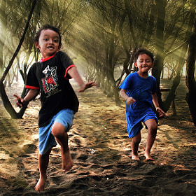 Run.... by 3 Joko (3Joko)) on 500px.com