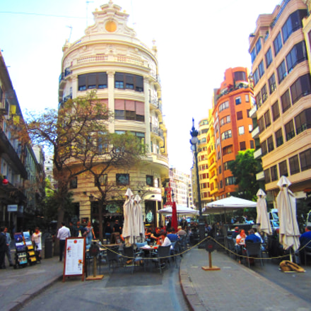 Valencia. Buildings from ancient, Canon IXUS 220HS