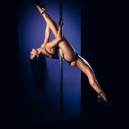 Pole dancer, Sony SLT-A99, Sigma 28-70mm EX DG F2.8