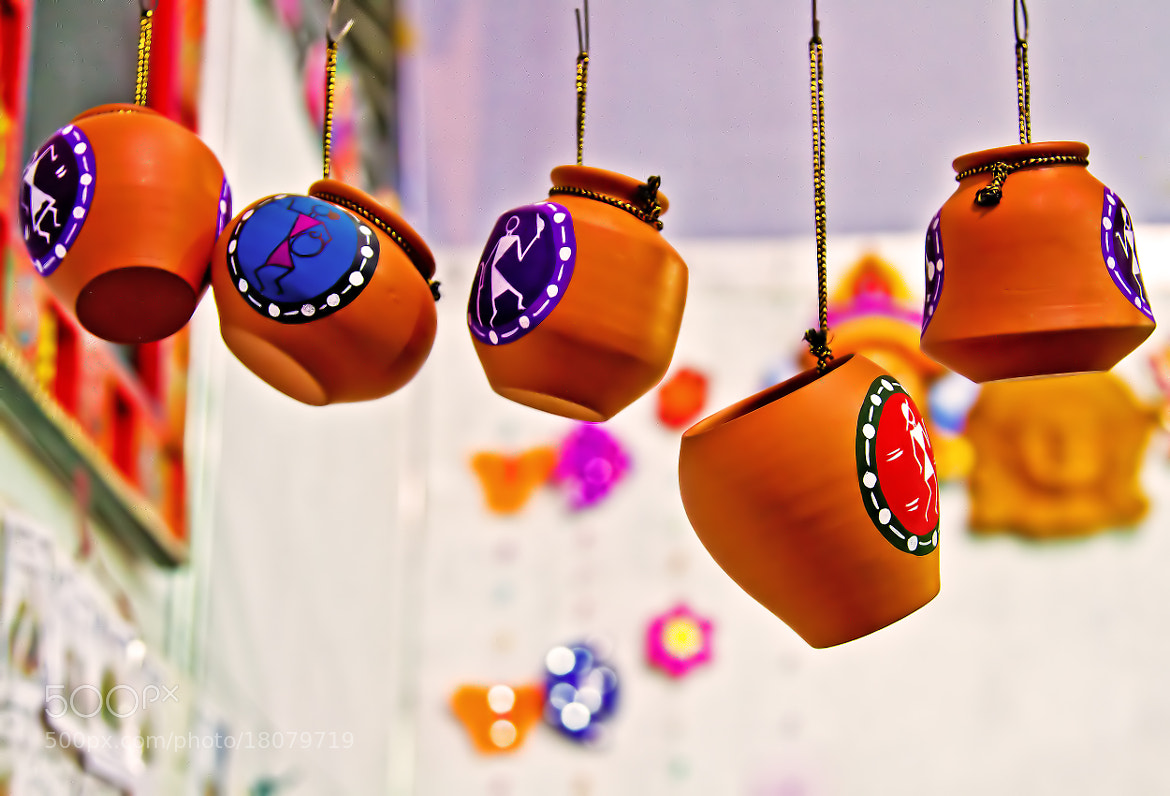 Photograph Hanging Pots by Balaji Nagarajan on 500px