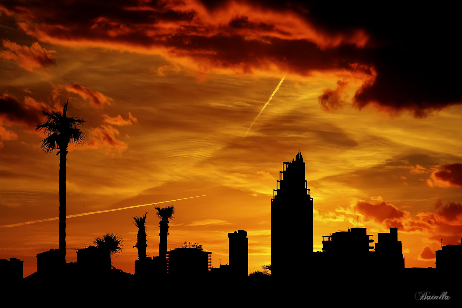 Photograph Gold by Jesus Mendez on 500px