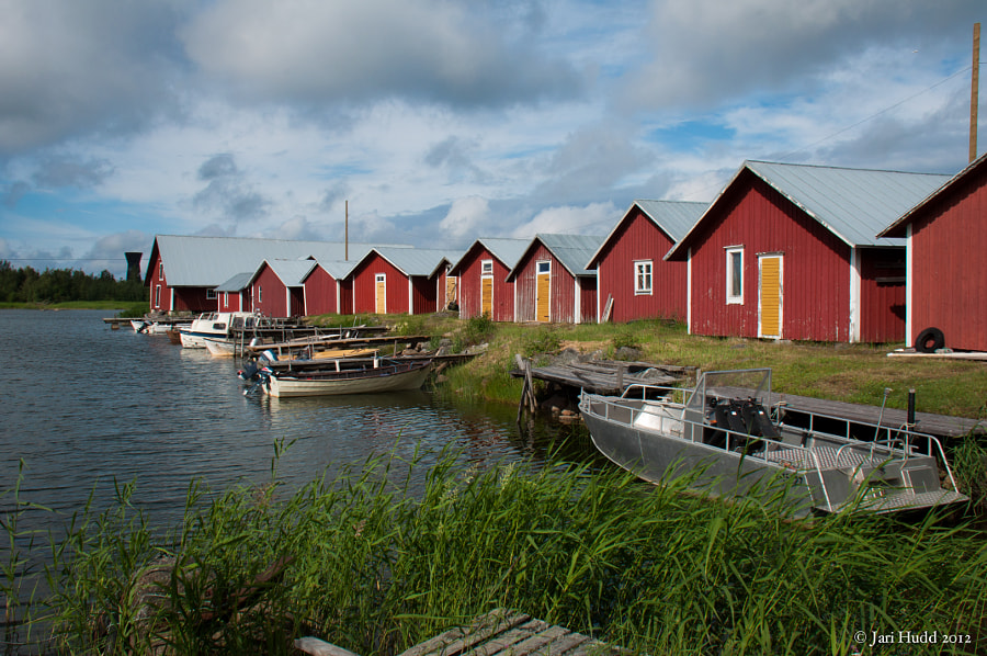 In Björköby village, the nature and the traditional archipelago buildings are combined in a unique way. Björkö island has an area of 72 km², and approximately 350 islands. The sea has always had an impact on life in the village, and fishing and seal hunting were the main sources of livelihood for a long time.