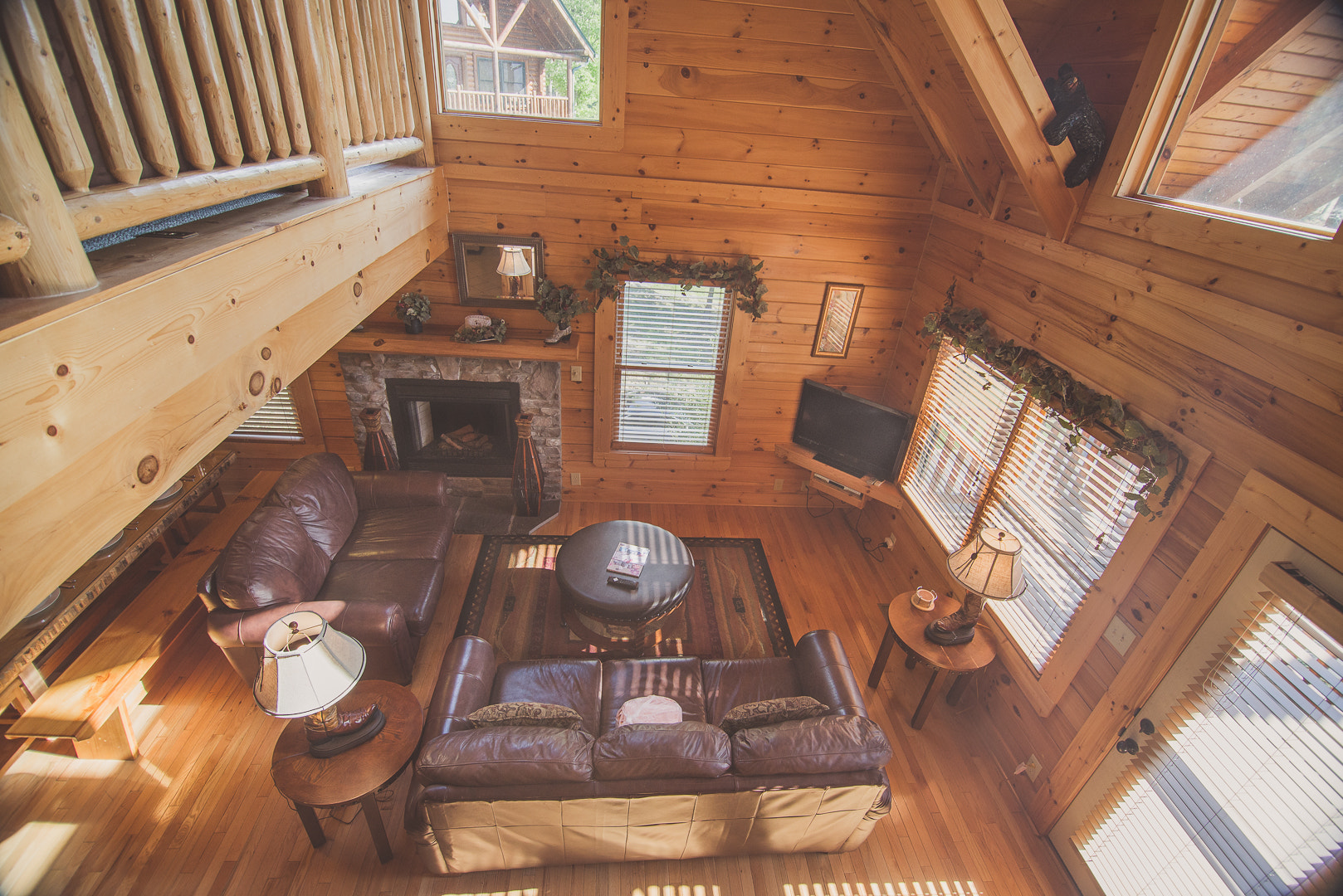 Photograph Pigeon Forge Cabin by cody  myers on 500px