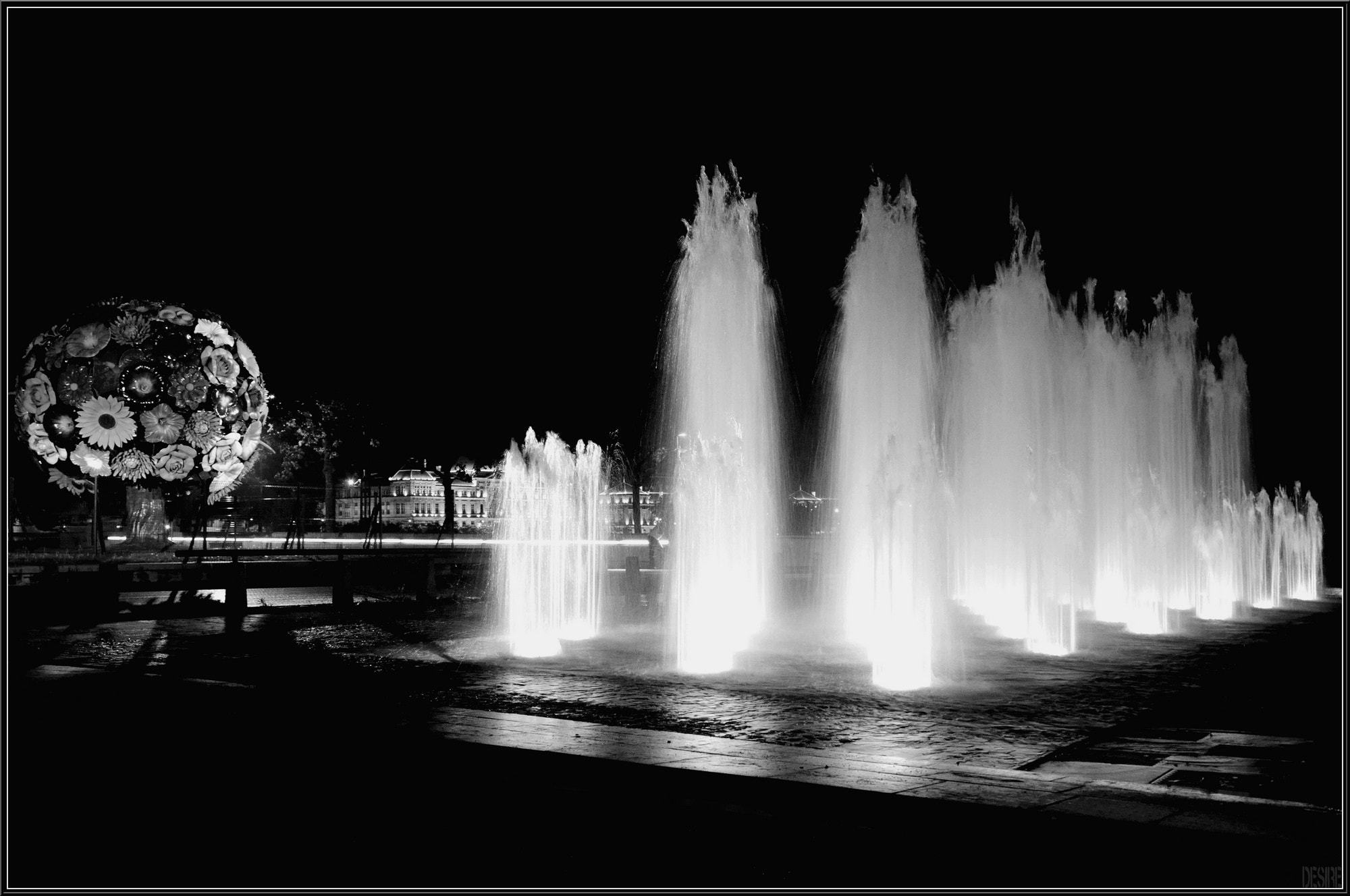 Photograph Lyon by night by Désiré RAMJEE  -PHOTOGRAPHIES- on 500px