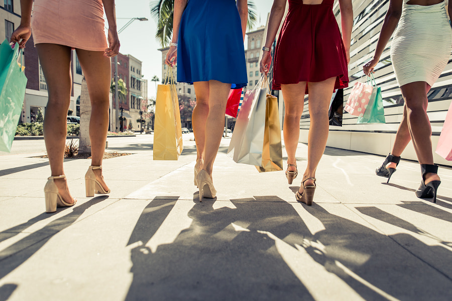 Four girls making shopping in Beverly hills by Cristian Negroni on 500px.com