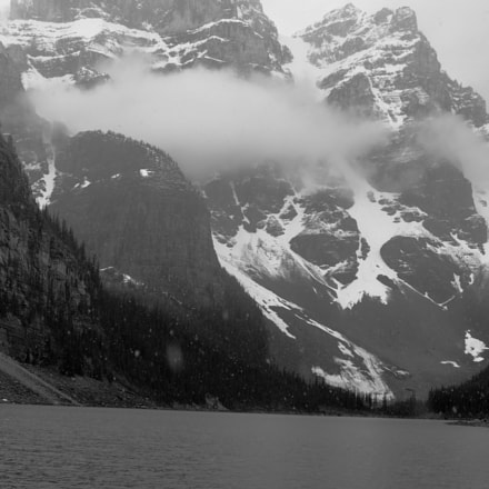 Snowing in the Mountains, Canon EOS 7D, Canon EF 35-80mm f/4-5.6 USM