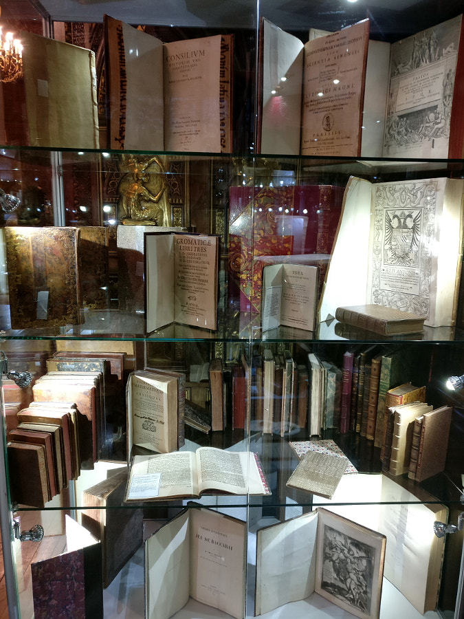 Fntiquarian Book and Art Fair , London by Sandra on 500px.com