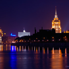 Evening on the embankment of the Moscow River. by Lyubov Novikova (platina111)) on 500px.com