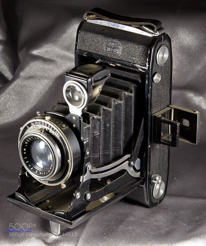 Photograph  Zeiss Ikon by Ulrich R. Sieber on 500px