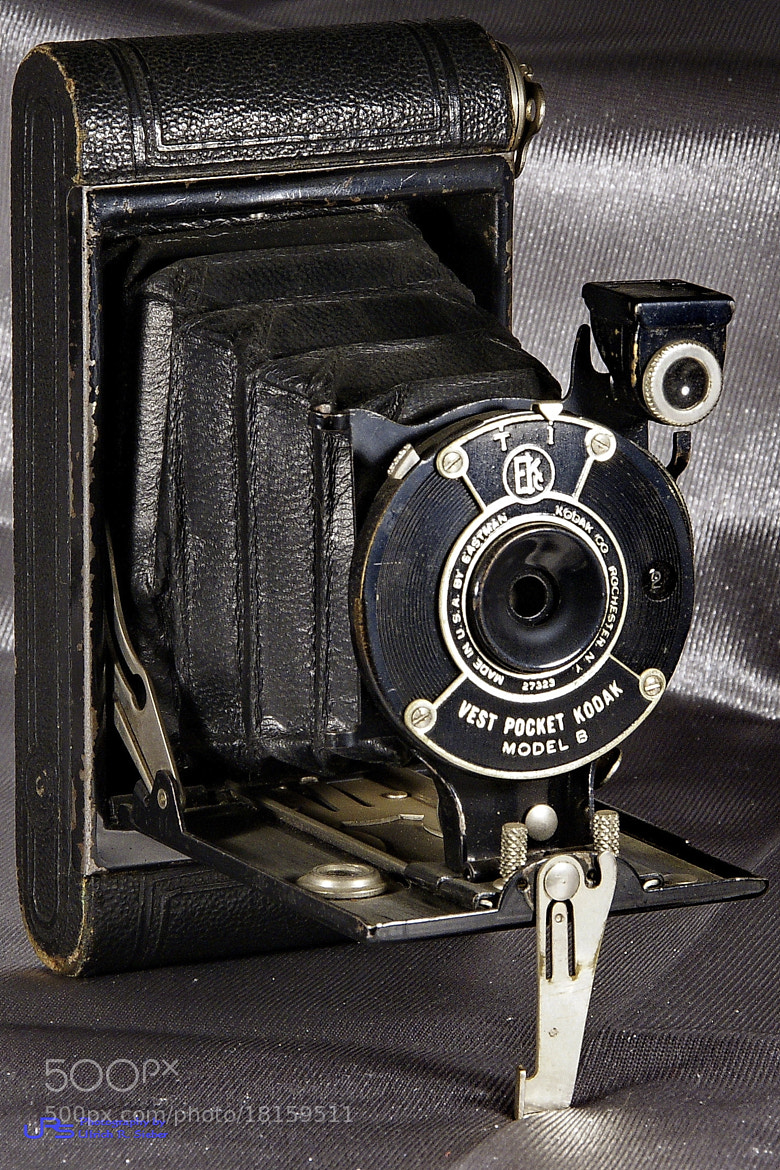 Photograph Kodak Vest Pocket Model B by Ulrich R. Sieber on 500px