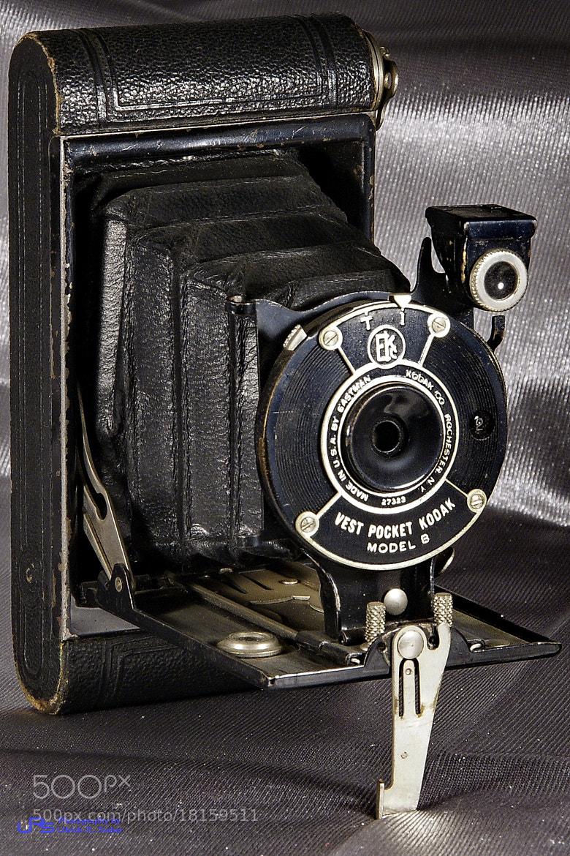 Photograph Kodak Vest Pocket Model B by Ulrich R. Sieber on 500px