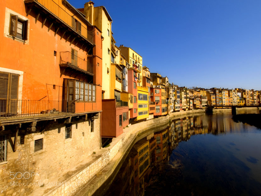 Photograph Girona y el río by Juan Rodríguez on 500px