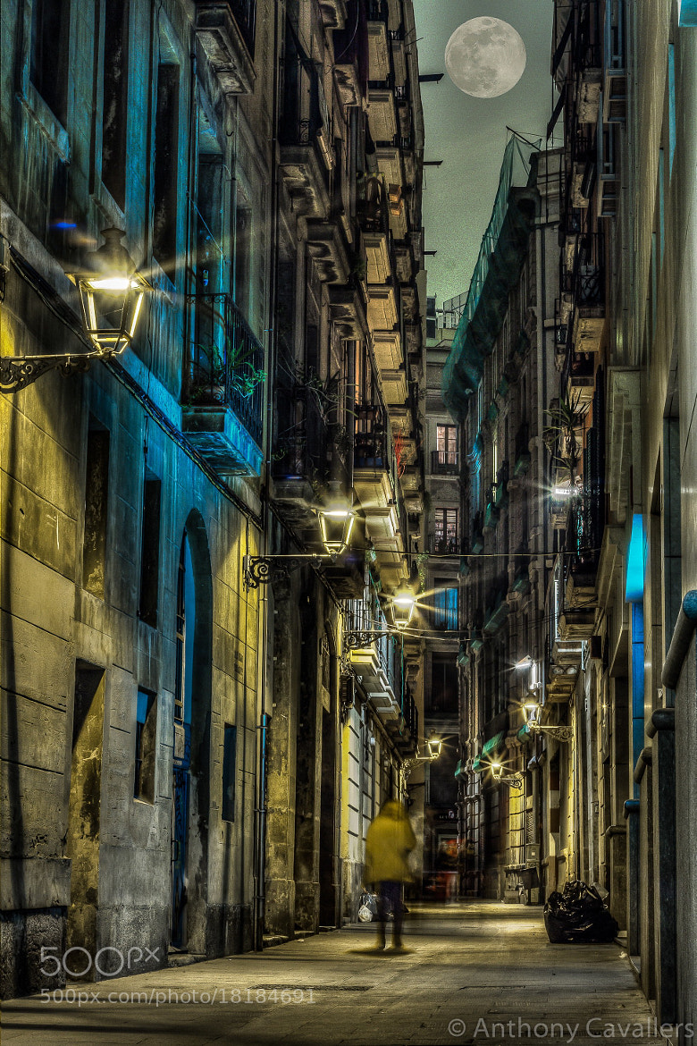 Photograph Streets, Walkers and one Moon. by Anthony Cavallers on 500px