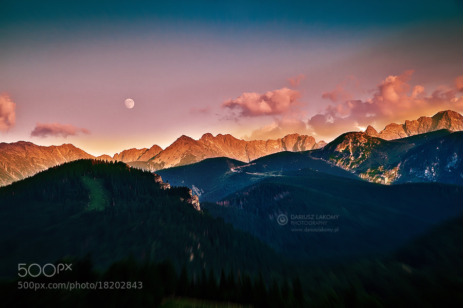 Photograph Sunset moonrise in Tatra mountains by Dariusz Lakomy on 500px