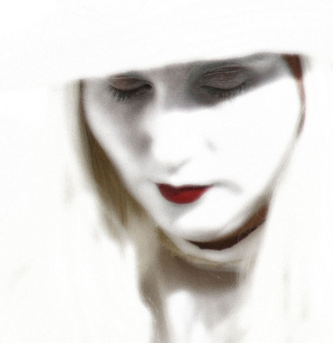 Photograph White Lady by Barbara Welham on 500px