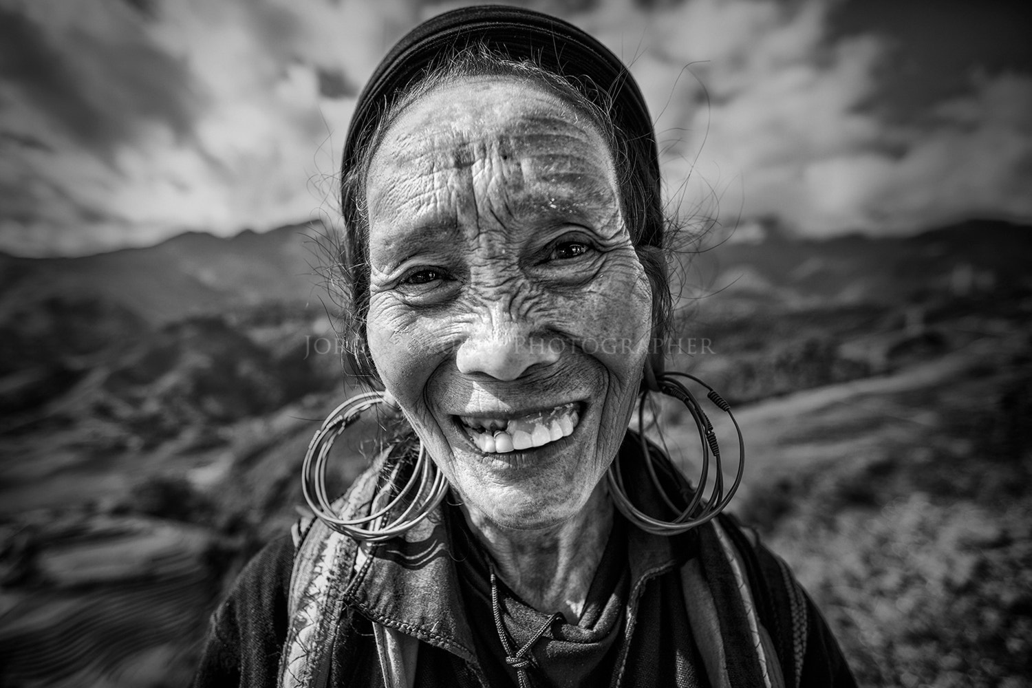 Photograph WOMAN IN SAPA by Jorge Pozuelo on 500px
