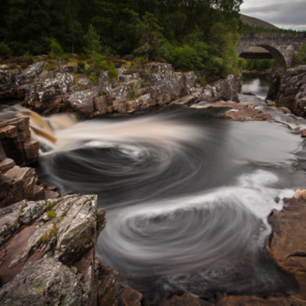 Strathgarve Waterfalls and Whirlpools, Nikon D700, Sigma 17-35mm F2.8-4 EX DG  Aspherical HSM