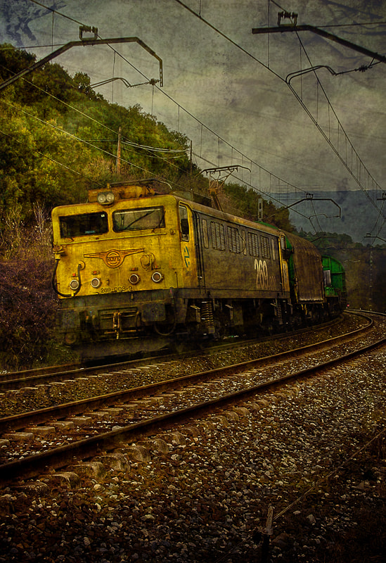 Photograph Tren by Jorge Castilla on 500px